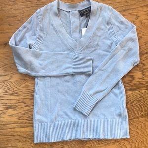 Banana Republic V-Neck Button Back Sweater XS NWT